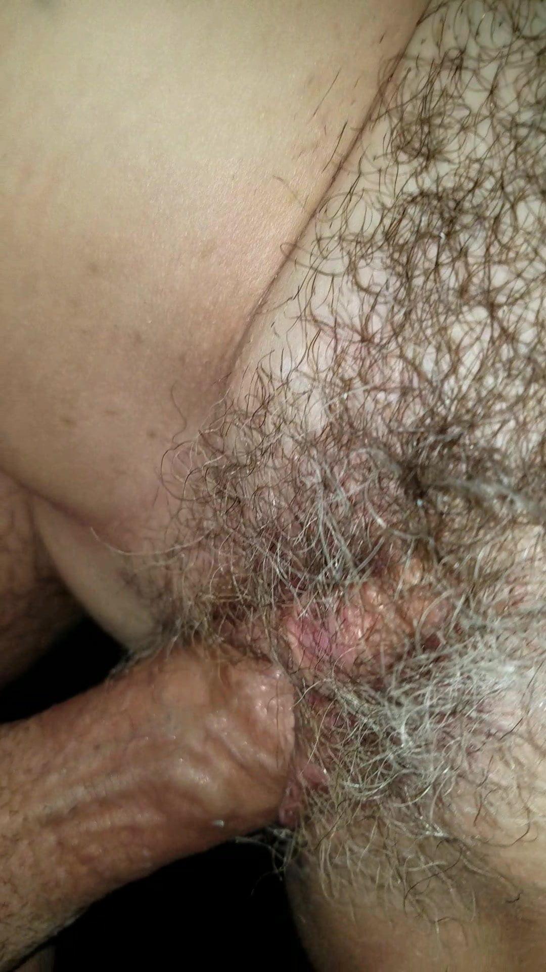 Sexy maisje neukt een grote pik